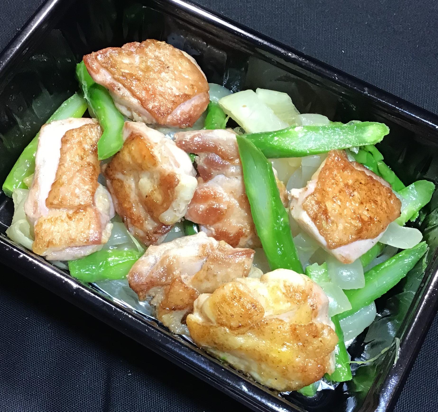 鶏肉とアスパラのガーリックソテー